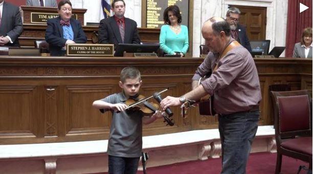 violin player_1521019516392.JPG.jpg