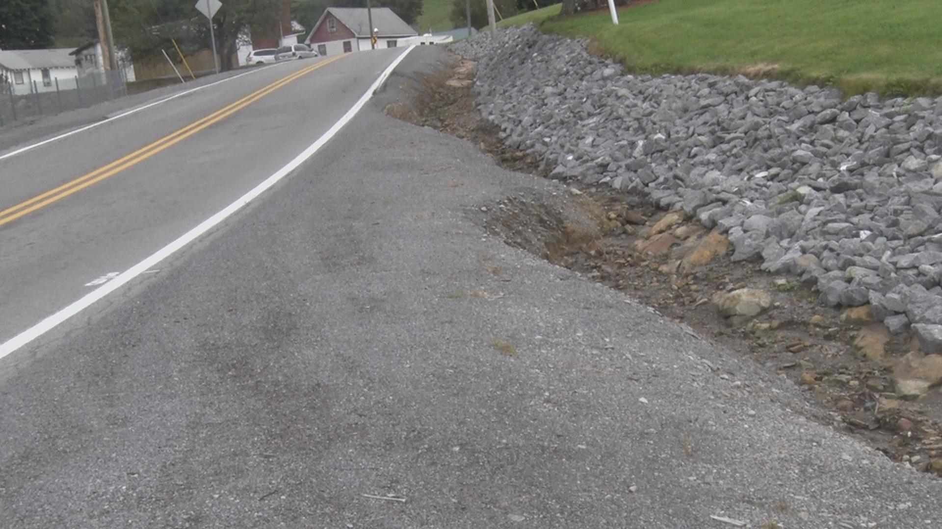 road crack_1538519690622.jpg.jpg