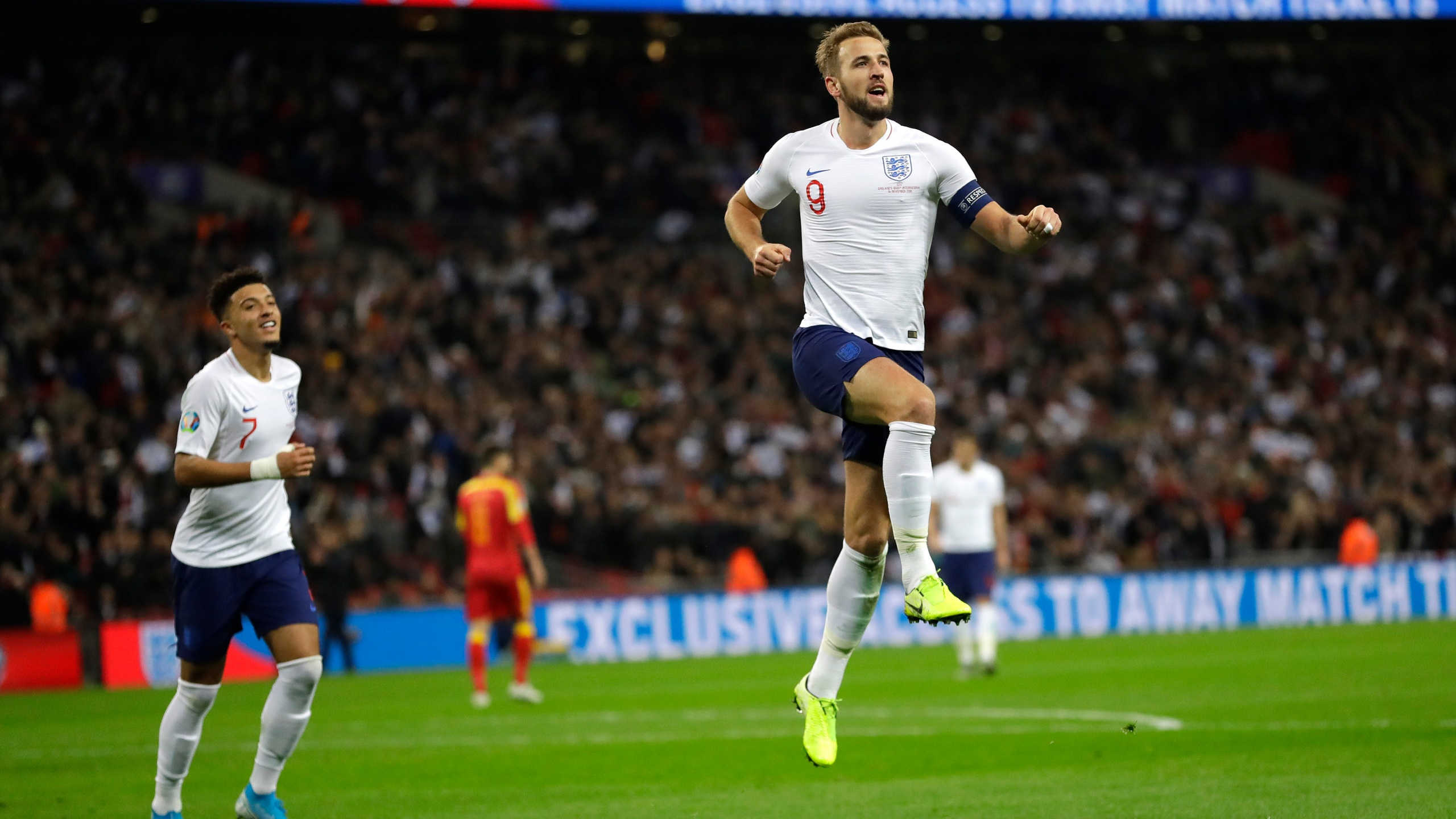 Calendrier Match Foot Euro 2020.Kane Nets Hat Trick And Helps England Seal Euro 2020 Spot Wvns