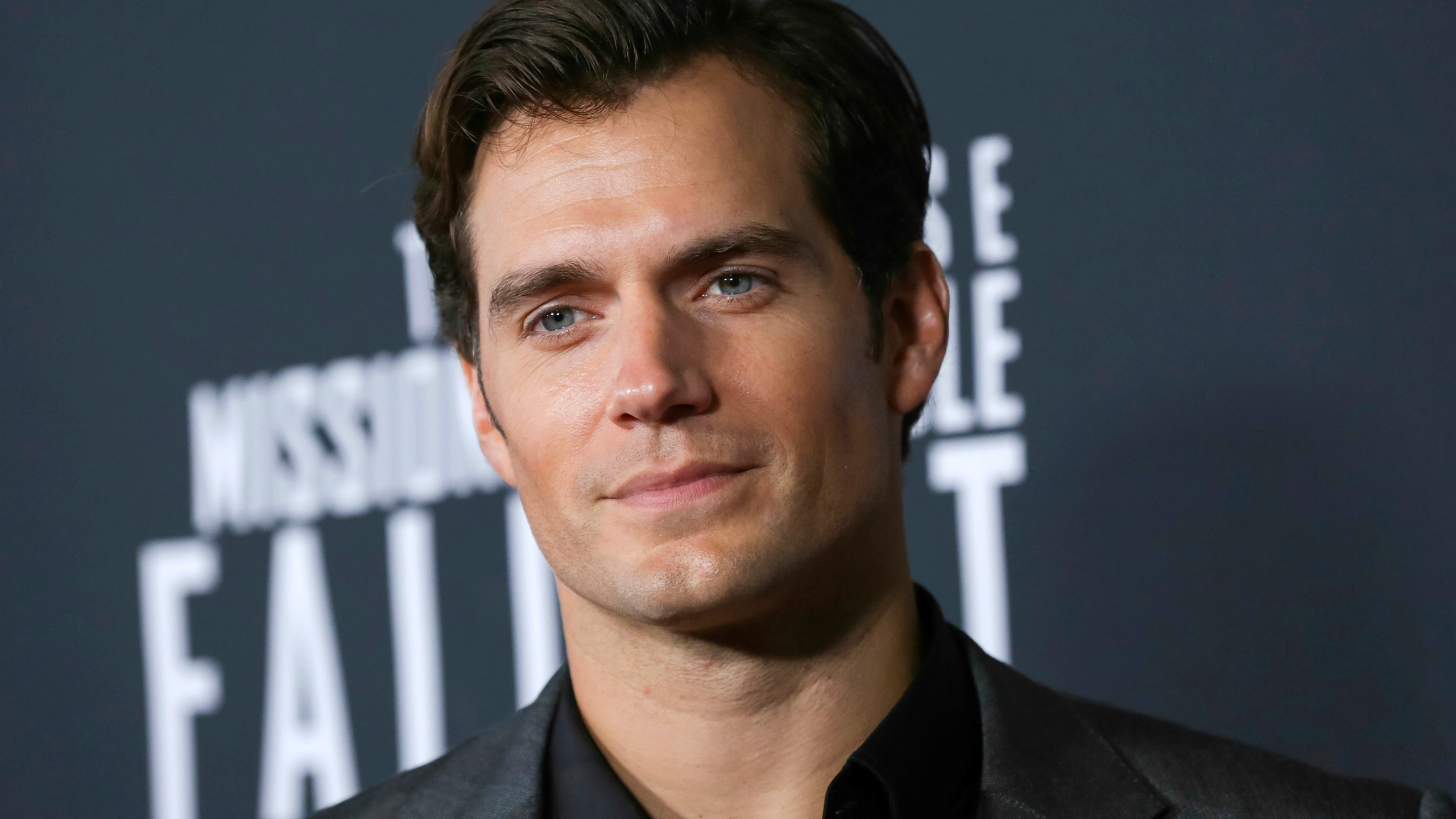 Cavill Door Hasn T Closed On Superman But 1st Witcher