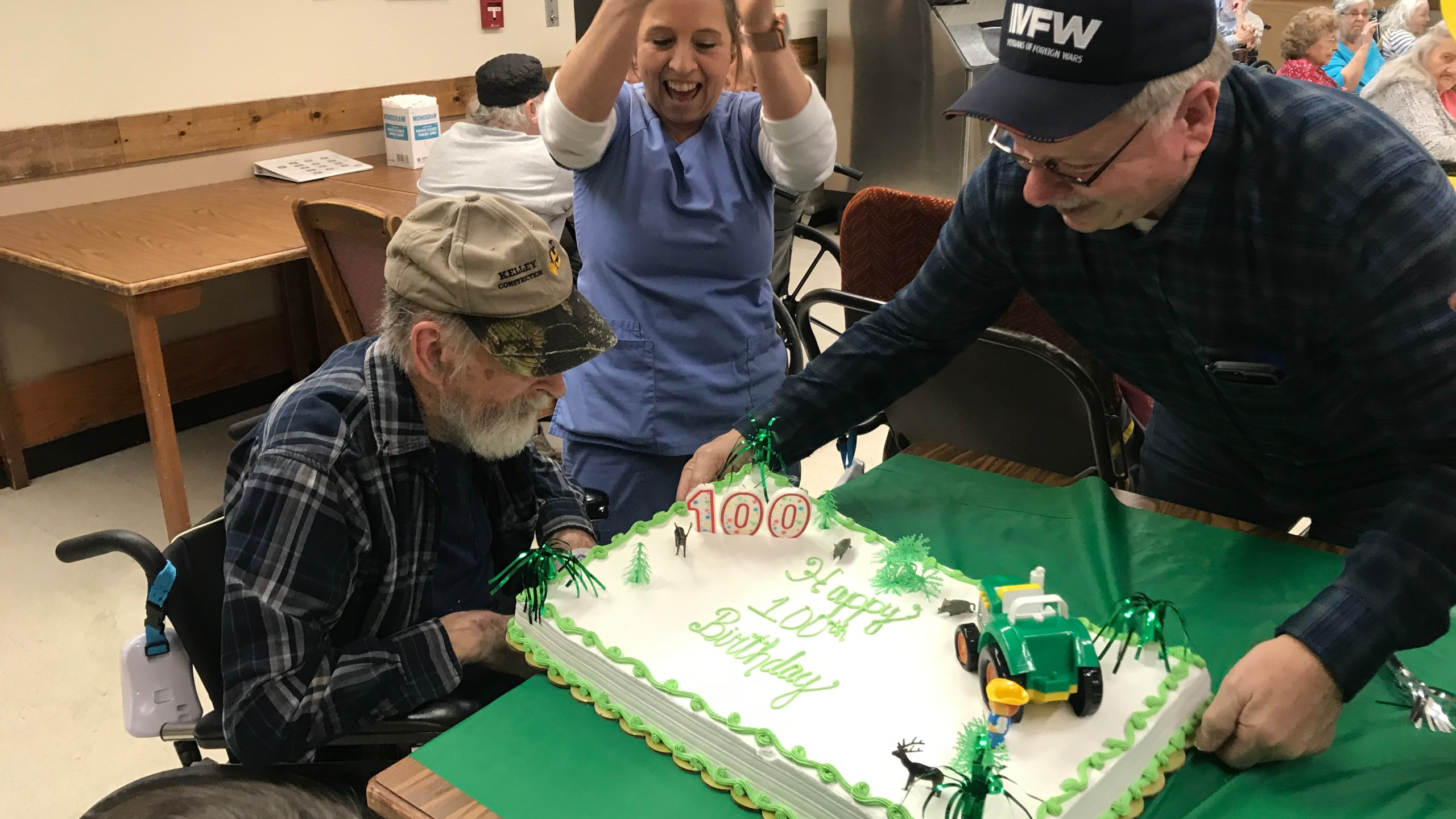 Enjoyable Nicholas County Farmer Celebrates 100Th Birthday At John Deere Funny Birthday Cards Online Elaedamsfinfo