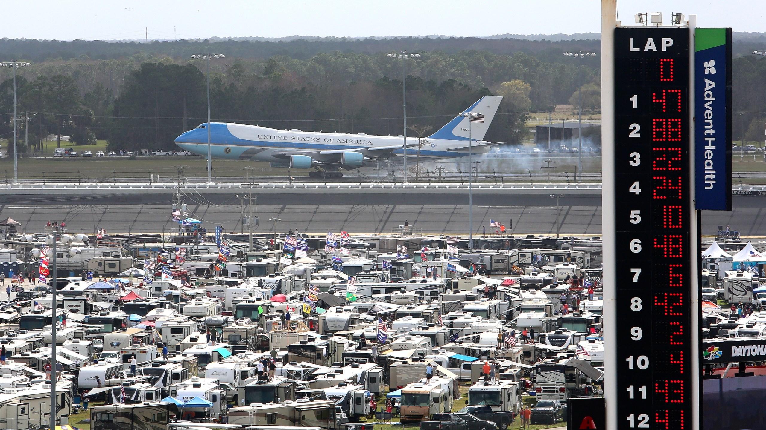 Rain Postpones Daytona 500 Dampening Event Trump S Visit Wvns