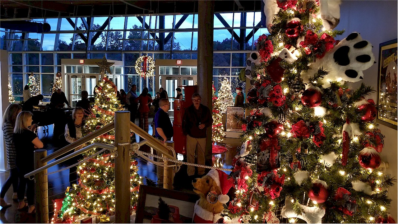 Businesses Open On Christmas Day 2020 Wonderland of Trees 2020 to go on, Business After Hours canceled